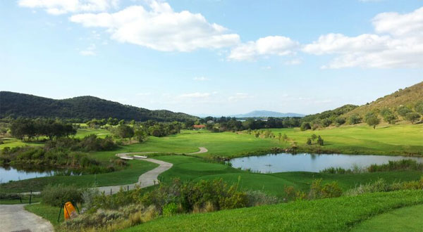 Rustic golf in rural Tuscany